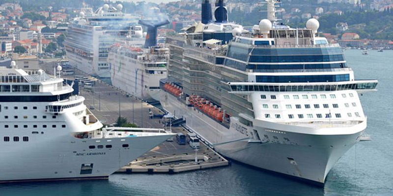 Dubrovnik Port Guide And Information DUBROVNIK PORT - How many cruise ships in port